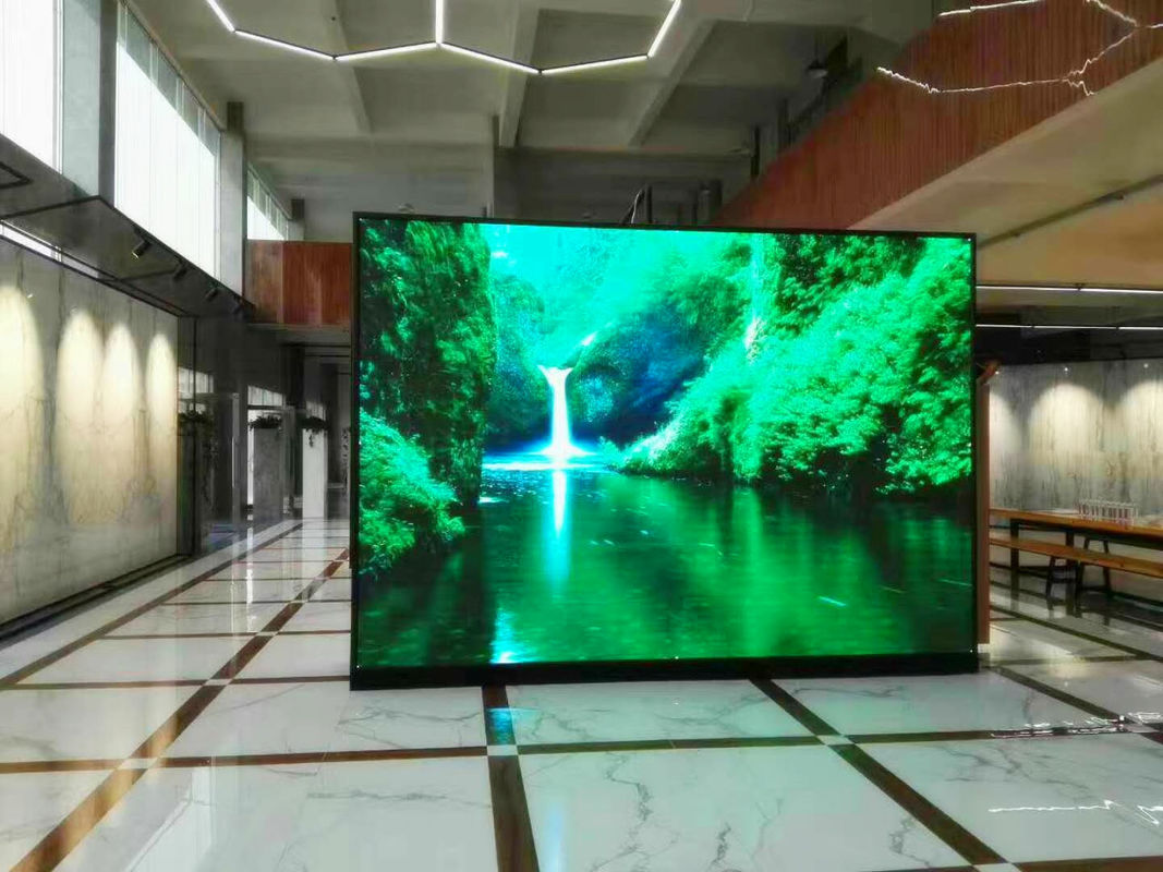 Interactive LED Touch Screens Hire 100 Meters Viewing Distance P5 Ultra Thin UV Proof